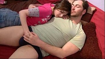Incesto real pai comendo filha com muito tesão e sensualidade