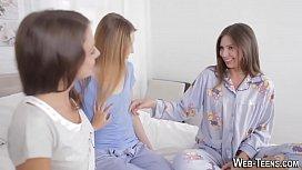 Novinhas de pijama curto na bunda video amador